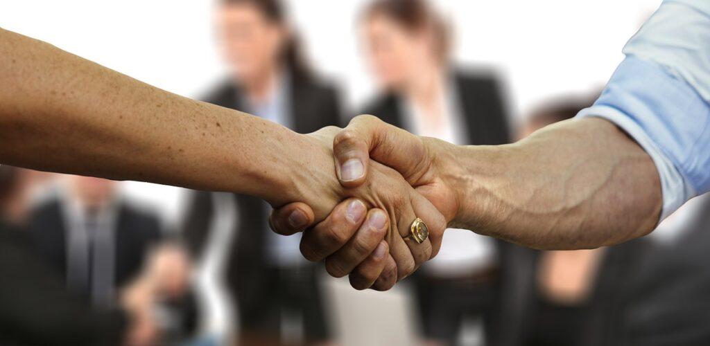 Physiotherapie bei Firmenfitness: Win-Win für Arbeitgeber und Arbeitnehmer