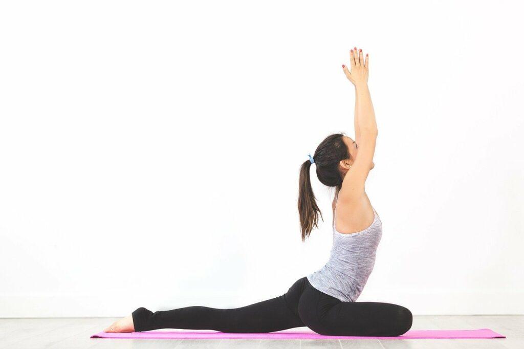Yoga ist eine Sportart bei Firmenfitness