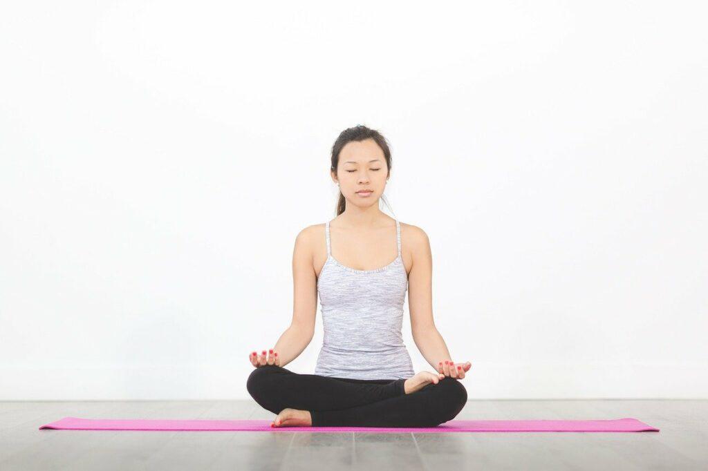 Yoga dient sich zum Ausgleich im Rahmen von Firmenfitness