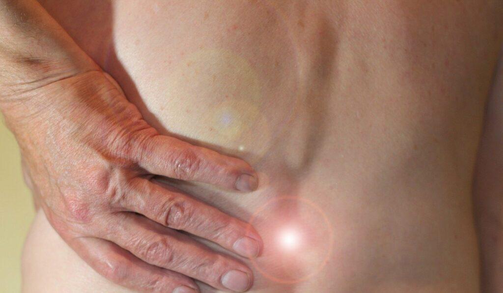 Rückenschmerzen im Büro: Rückenprävention beugt vor