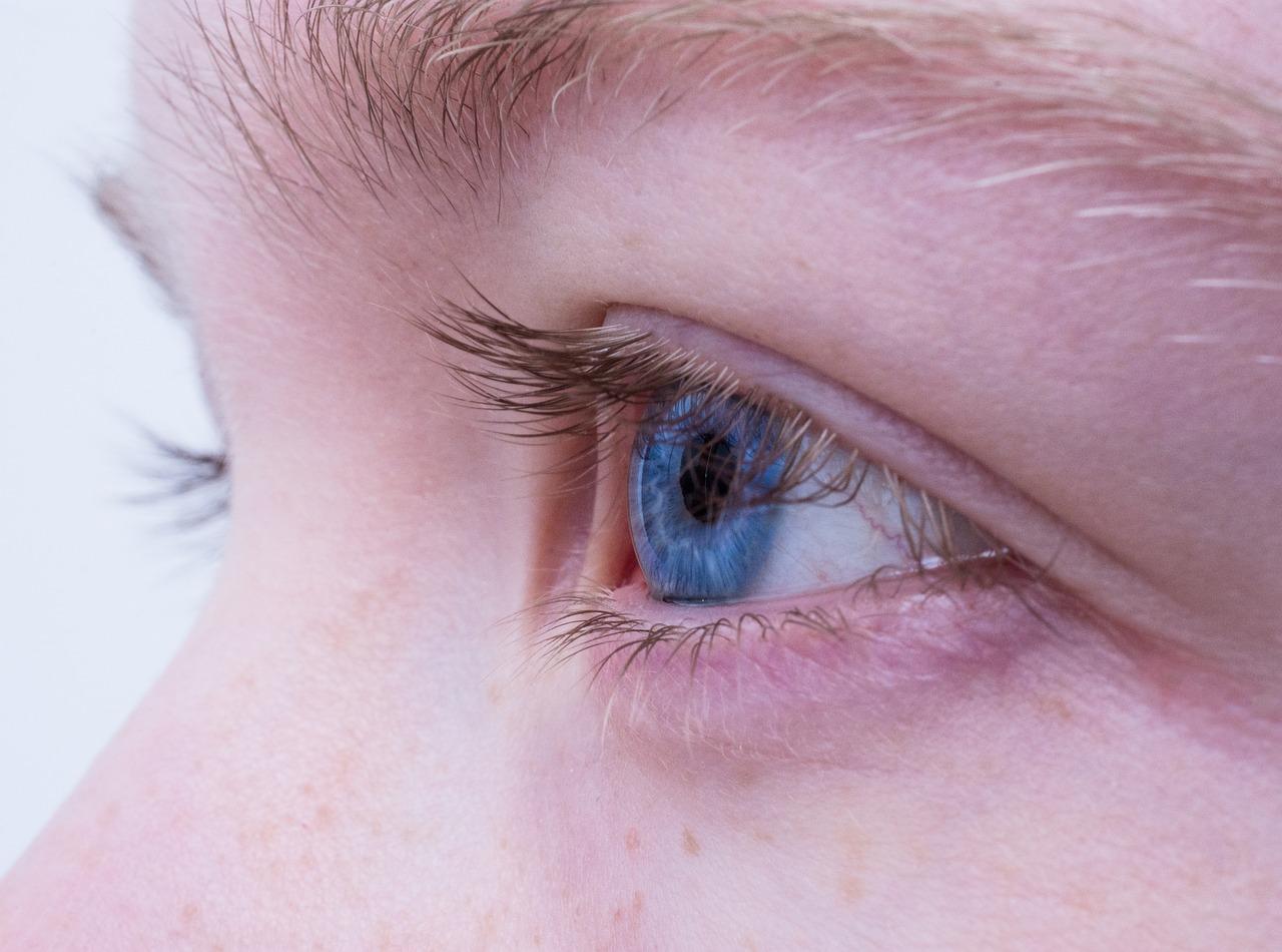 Augenprobleme im Büro: Rote Augen sind ein Zeichen