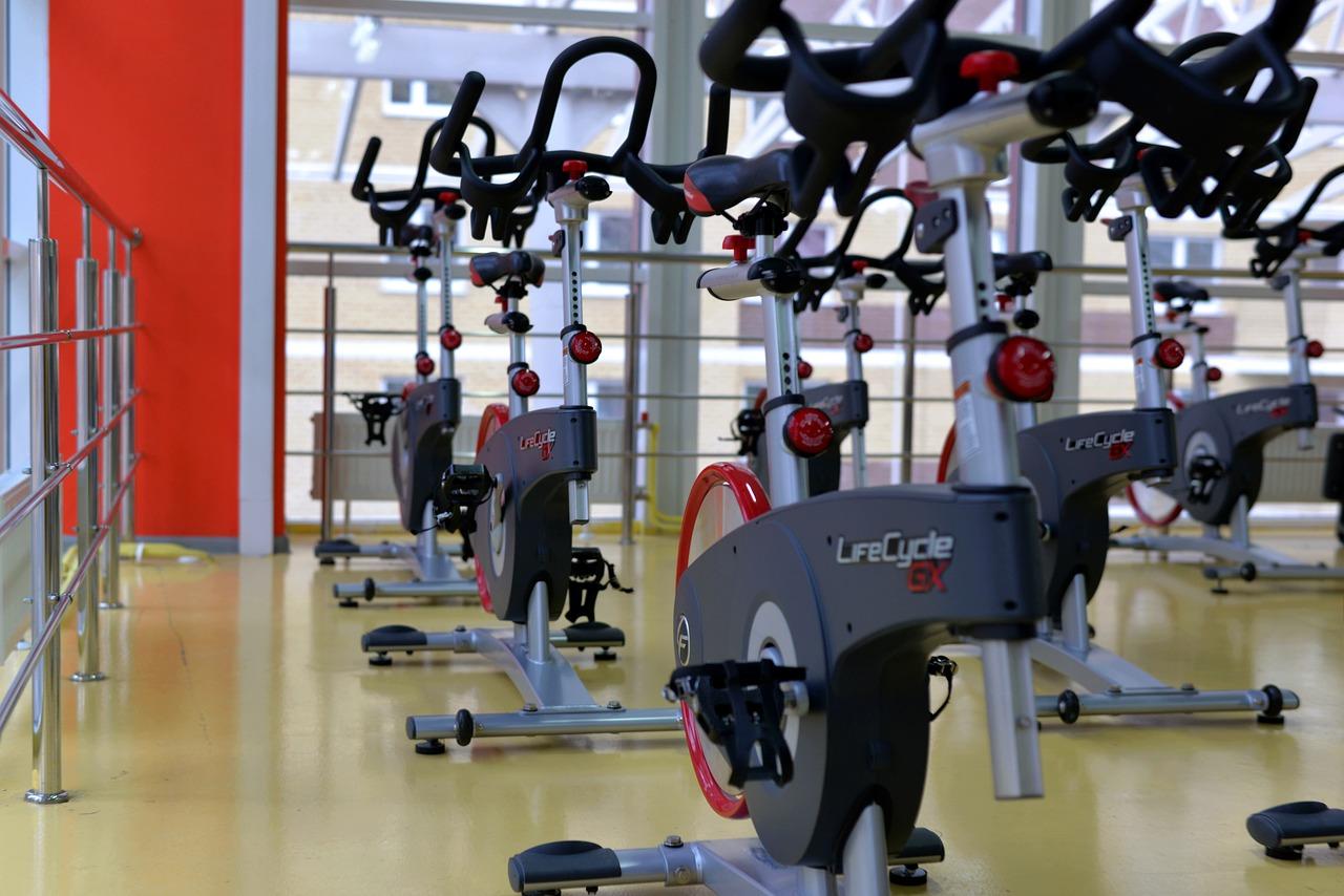 Firmenfitness: Beispielhaft ein Fitnessraum mit Ergometer