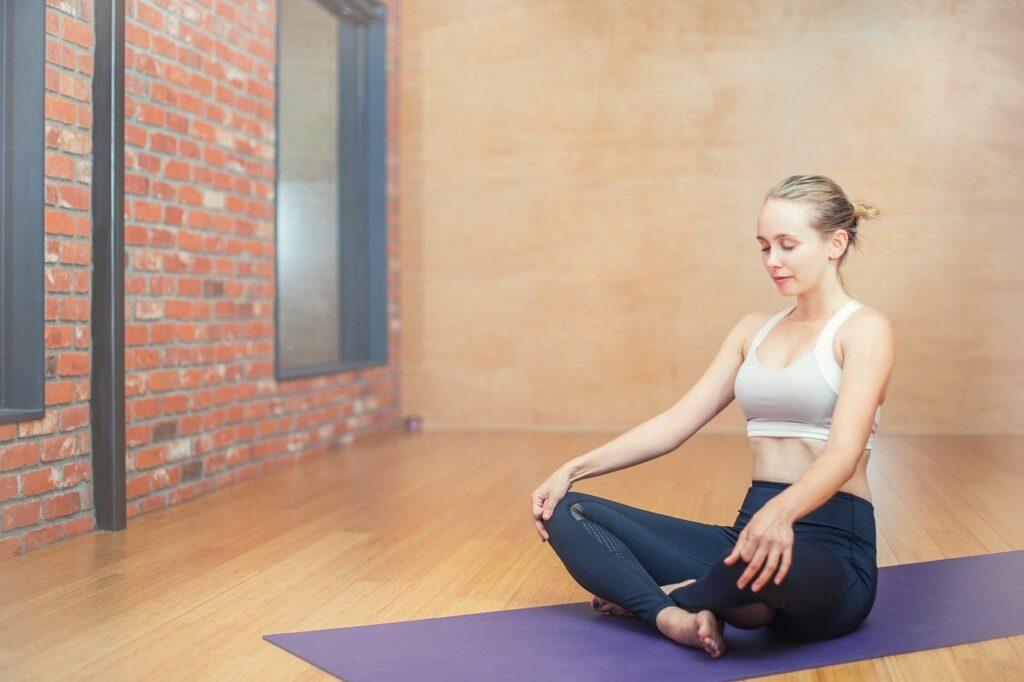 Entspannung und können können bei Kopfschmerzen und Gesundheit am Arbeitsplatz fördern