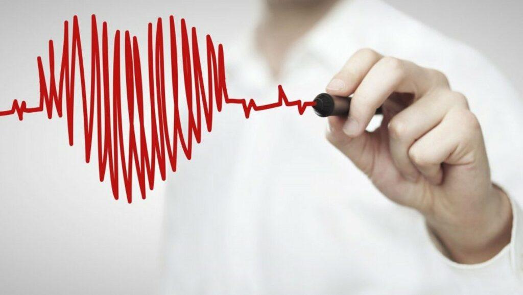 Herzgesundheit am Arbeitsplatz: Herz-EKG bildlich dargestellt