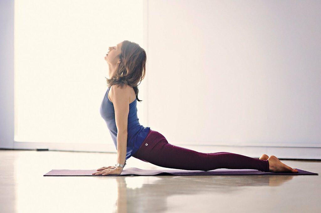 Stress am Arbeitsplatz: Yoga & Meditation können helfen