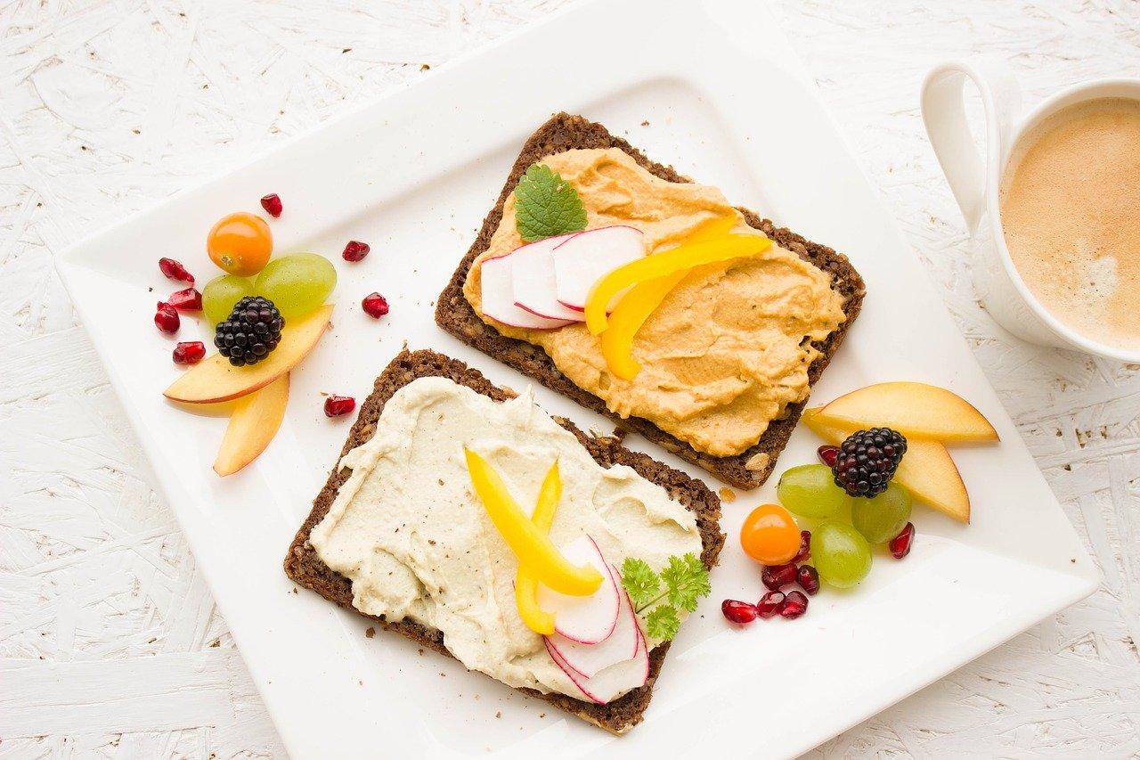 Gesunde Ernährung kann richtig lecker sein: Bild mit gesunden Lebensmitteln